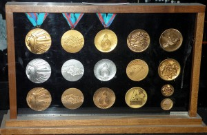 800px-1988_Olympic_Winter_Games_medals